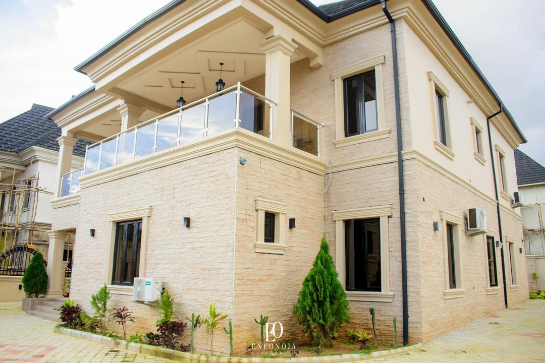 Luxury Fully Detached 4-Bedroom Duplex